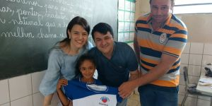 Marquinhos do Dedé fez entrega de uniformes escolares aos 610 alunos da REME em Vicentina