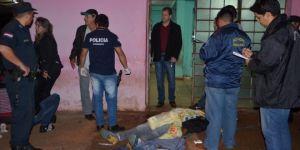 Pistoleiros executam homem com 13 tiros em frente à casa de jogos na fronteira