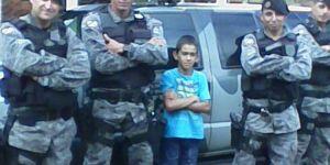 Policiais Militares da Forca Tática realiza sonho de garotinho na linha do Potreirito em Vicentina