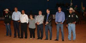 Prefeito de Jateí parabeniza comissão organizadora e destaca presença das autoridades na Festa da Fogueira