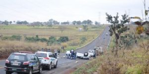 Capotagem de caminhonete S-10 na BR-262 matou jovens de 22 e 24 anos